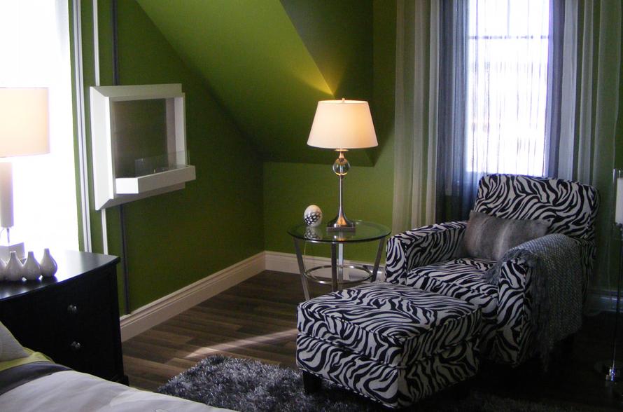 La maison vous offre un service complet accessoires déco literie personnalisée habillage de fenêtres stylisé notre équipe de décoratrices vous
